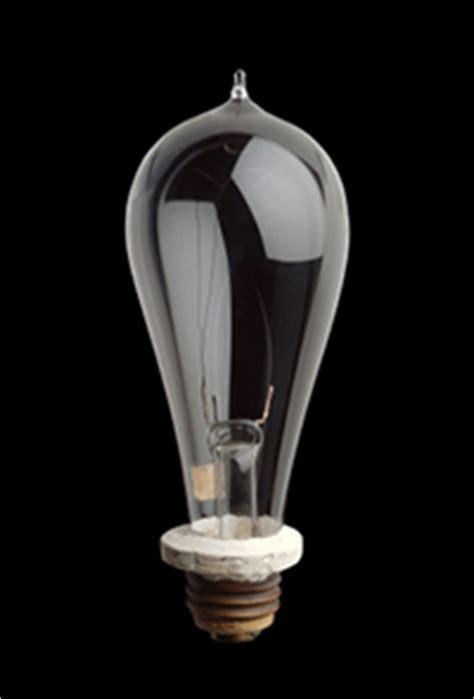 how did edison make the light bulb