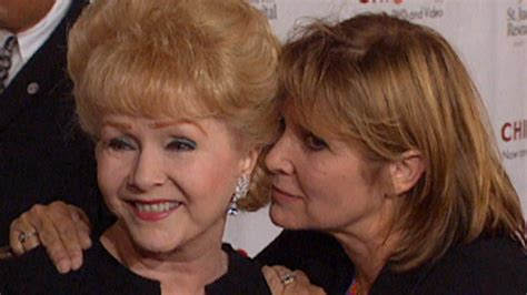 debbie reynolds buried debbie reynolds to be buried with carrie fisher s ashes