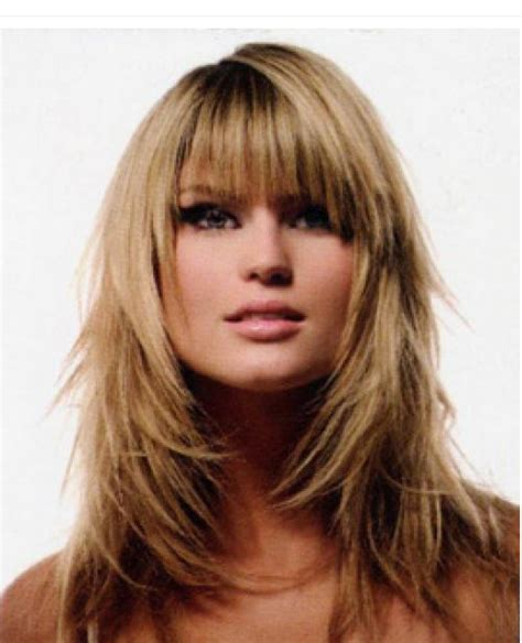 trend hairstyles for women 2010 full layered woman hairstyle with bangs