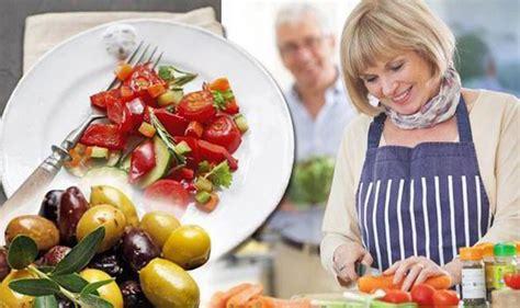 Mediterranean Diet Linked With Lower Risk Of Heart Disease