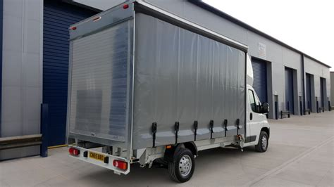 peugeot boxer curtain side 13 4ft 335l3 2 0bluehdi 130ps