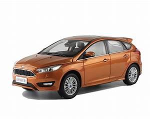 Ford Focus 1 : ford focus 2015 1 18 scale diecast model car wholesale ~ Melissatoandfro.com Idées de Décoration