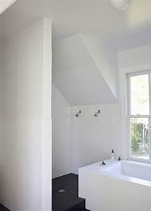 Small attic bathroom small attic bathrooms attic for Small attic bathroom sloped ceiling