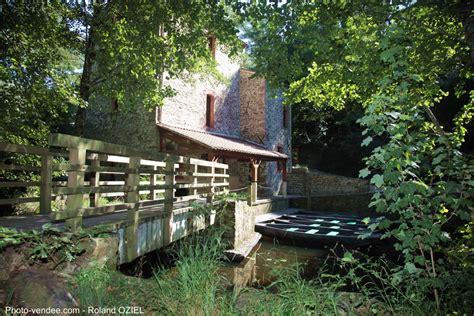 Maison Rivière Terre De Montaigu by D 233 Tente Autour Du Logis Quelques P 244 Les Touristiques