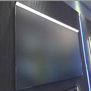 Miroir Lumineux Led : miroir lumineux led salle de bain anti bu e 80x60cm ~ Edinachiropracticcenter.com Idées de Décoration