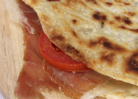 torta di testo torta al testo umbra la cucina italiana