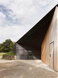 Hidden Locker Rooms / MU Architecture + Ateliers Les ...