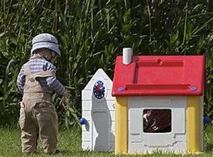 Spielhaus Garten Kunststoff : spielhaus f r den garten aus holz und kunststoff ~ Eleganceandgraceweddings.com Haus und Dekorationen