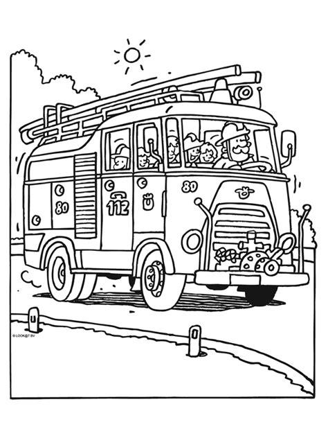 Hulpdiensten Kleurplaat by Kleurplaat Brandweerwagen Kleurplaten Nl