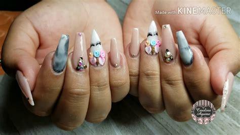 Un muestrario de uñas decoradas, es una buena alternativa para que muestres a tus clientes tus diseños de uñas ,y ayudarlas a tomar una decisión … la manicura y diseños de uñas acrílicas que llevan las famosas, es un tema que a todas nos causa curiosidad. Uñas acrilicas modernas / Uña Unicornio - YouTube