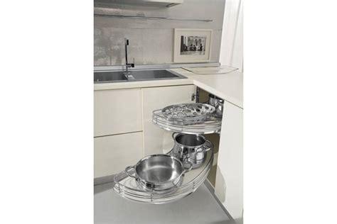 caisson d angle pour cuisine aménagement meuble d 39 angle accessoires de cuisine