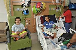 Inpatients move to new private rooms with help of ...