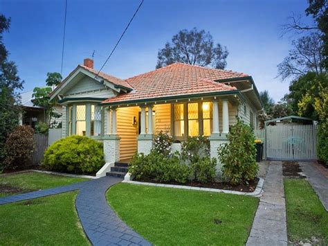 Rendered Brick Californian Bungalow House Exterior With