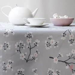 Nappe Ovale Enduite : nappe enduite ronde ou ovale cerisier gris rose ~ Teatrodelosmanantiales.com Idées de Décoration