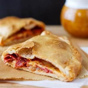 Easy Calzone Pizza Recipe - Happy Foods Tube