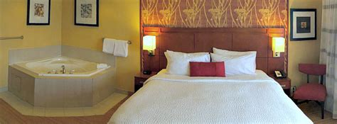 maryland hot tub suites hotel rooms inns