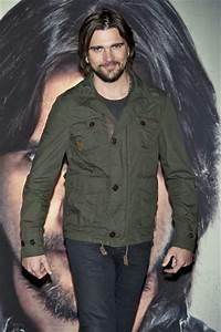 Juanes presents MTV Unplugged New Album - Zimbio