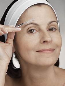 Makeup Tricks That Make Your Eyes Stand Out For Mature Women Over 50!