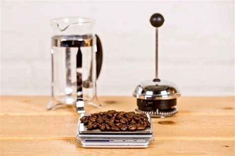 For instance, if your french press has a 24 ounce capacity and you decide to make a full pot, you'll need to use four scoops of coffee or eight tablespoons. Ratios - Measure Coffee Beans | French press coffee maker ...
