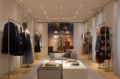 maison dior reopens  madrid global blue
