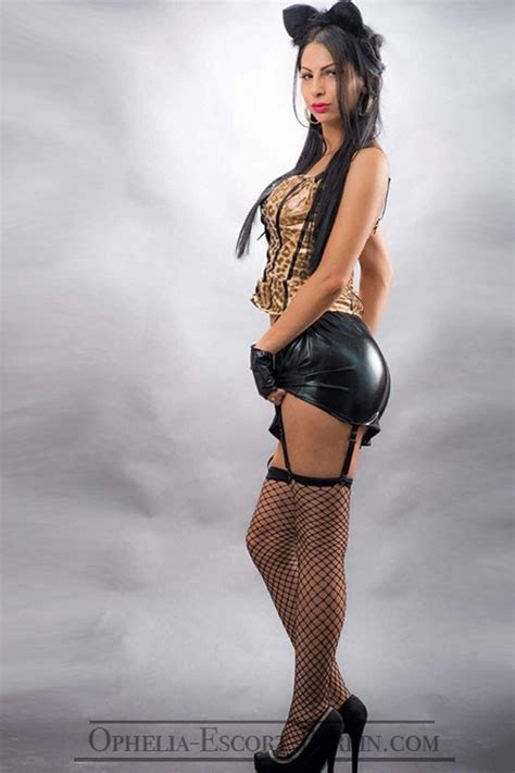 Escort Chantal In Berlin Super Cute Prostitute Likes Constantly Changing The Position In Popping