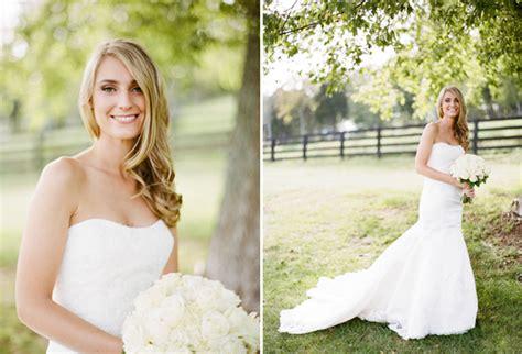 Barn Wedding Dresses : How To Throw A Barn Wedding