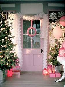 Pretty in Pink Christmas Decorations
