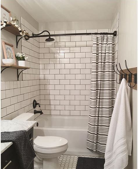 Bathrooms With Subway Tile Ideas by Best 25 Subway Tile Bathrooms Ideas On