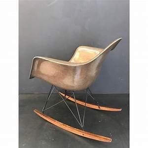 Fauteuil Charles Eames Original : rocking chair eames original vintage eames vintage eames atelier 159 rar eames vintage eames ~ Nature-et-papiers.com Idées de Décoration