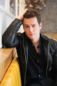 Jonathan Groff HBO39s Looking Interview 2015