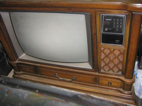 vintage rca colortrak 26 quot console tv will power up play sometimes cool portraits tv