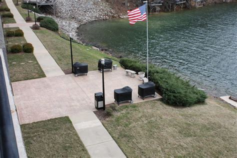 Properties on smith lake are a great value compared to similar lakes around the country. Waterford Condominium 301 - This Condo Is One Of The ...