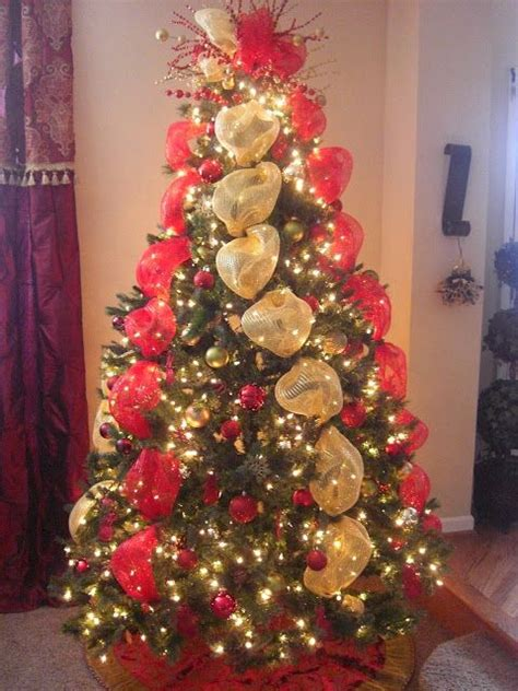 how to put vertical ribbon on christmas tree mesh ribbon mesh and ribbons on
