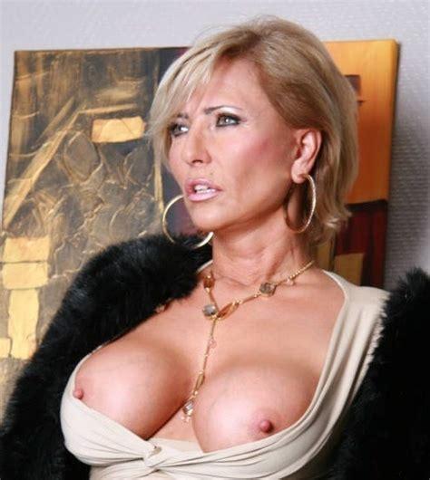 Famous Mature Pornstars Lesbian Pantyhose Sex