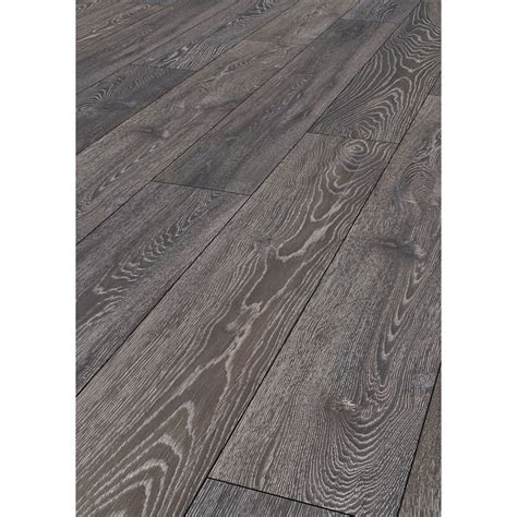 ashdown oak effect laminate flooring  home bm