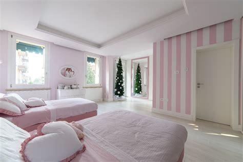 Quando ti trovi ad avere uno spazio limitato o soffitti bassi, puoi sentirti come se dovessi. Camera da letto bambine/ragazze su misura | SPREA ARREDAMENTI