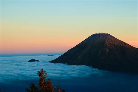 gunung sumbing wonosobo island  indonesia  hd nature