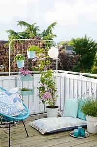 top 3 diy ideen fur balkon und terrasse solebichde With balkon teppich mit tapeten zum überstreichen
