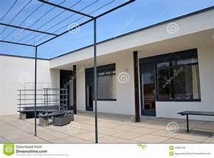Villa Mies Van Der Rohe : villa tugendhat in brno ludwig mies van der rohe editorial image image 24981700 ~ Markanthonyermac.com Haus und Dekorationen