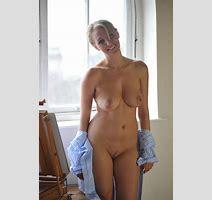 Hayley Marie Teasing Curvy Erotic