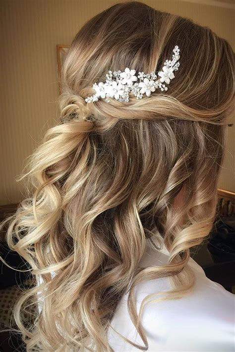 Updo Hairstyles For Wedding Guest by Best 25 Wedding Guest Hairstyles Ideas On