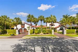 NEW Intracoastal Luxury Home - 800 Diplomat Parkway