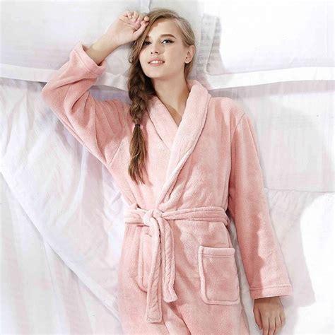 comment faire une robe de chambre robe de chambre polaire femme vous tient chaud toute