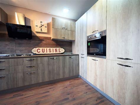 cucina con dispensa angolare cucina angolare maxi con colonne dispensa e forno frigo in