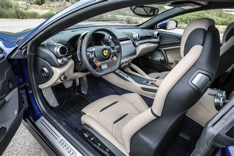 Automatic in the ferrari gtc 4lusso interior & features. Ferrari GTC4 Lusso: preços, fotos, performance - detalhes