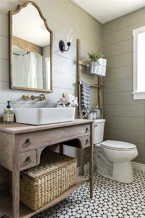 Rustic Chic Bathroom Ideas by 25 Best Ideas About Country Style Bathrooms On