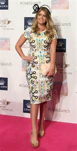 Gowns For Red Carpet by Celebs Style Get Lady Kitty Spencer S Dress Crown Oaks