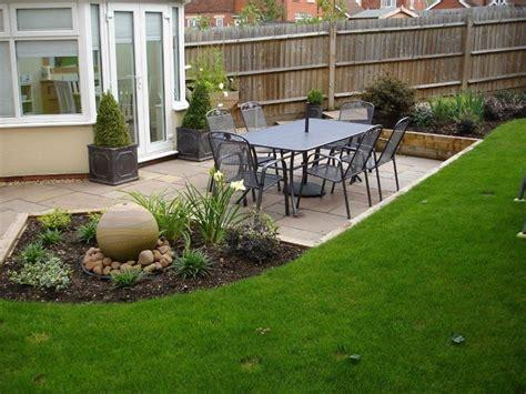 Modern L-shaped Family Garden