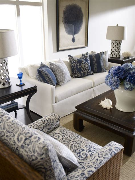 Ideas For Living Room With White Furniture by A Blue And White Delight With Moroccan Quatrefoil