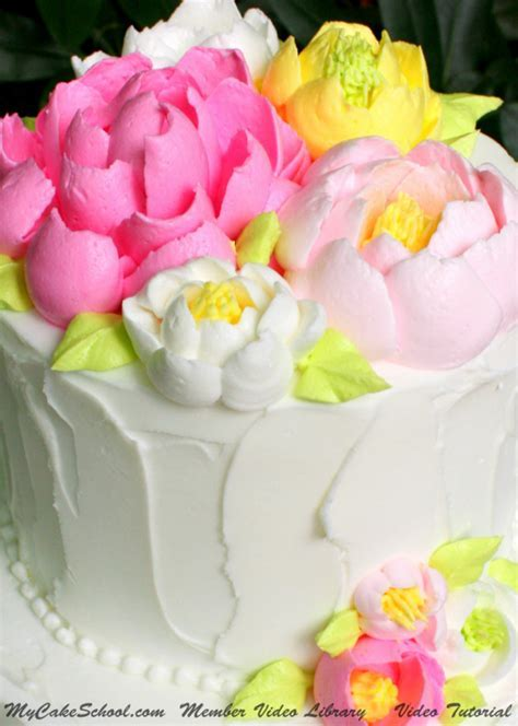 How to Pipe Large Fluffy Frosting Flowers! Video   My Cake
